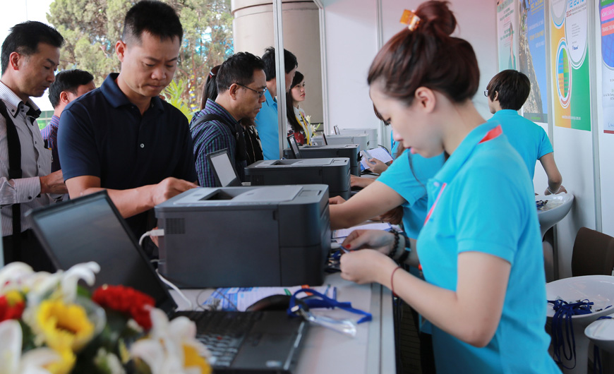 Dịch vụ in thẻ tại Hội chợ Triển lãm